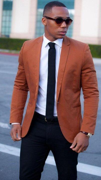 تنسيق ألوان الملابس للرجل الأسمر.. كن أنيقاً دائماً