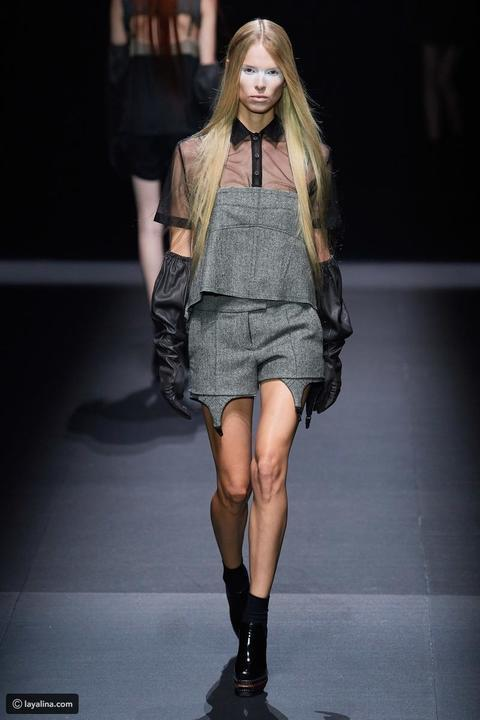 فيرا وانج تقدم مجموعة غامضة لربيع 2020 في أسبوع الموضة في نيويورك
