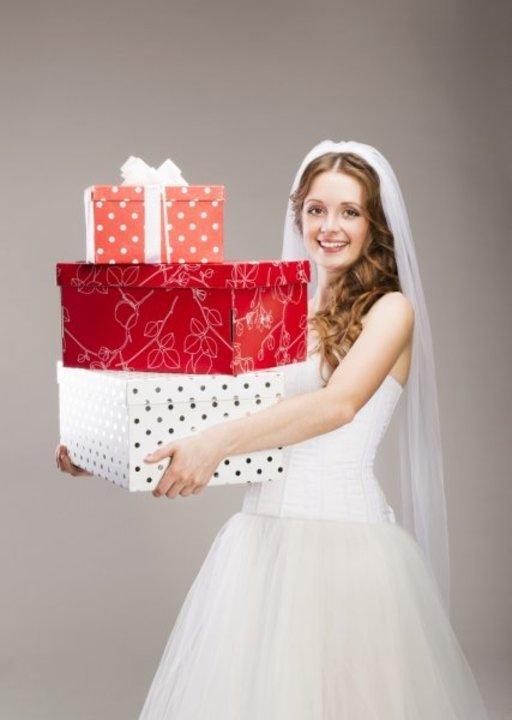 أفكار مميزة لهدايا العروس من صديقاتها في حفل الزفاف