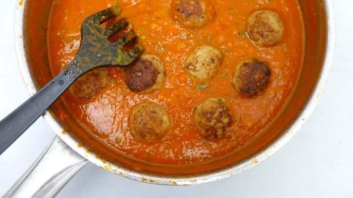 وصفة مصورة سباغيتى مع كرات اللحم