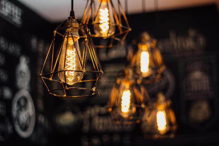 نصائح توزيع الإضاءة في الديكور الداخلي