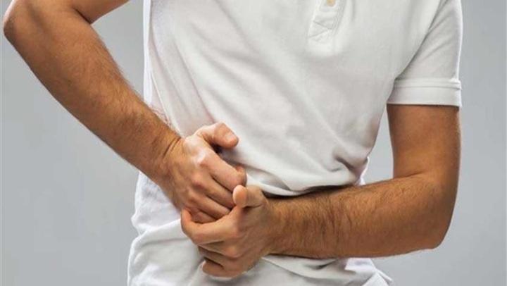 أسباب الشد العضلى فى البطن .. 7 أعراض تُنذر عن المرض
