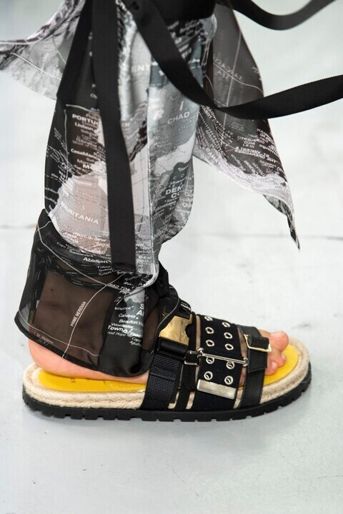اجدد موديلات الأحذية من أسبوع باريس للموضة