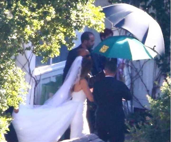 في حفل زفاف سري.. الصور الأولى من زواج ابنة أرنولد شوارزنيجر
