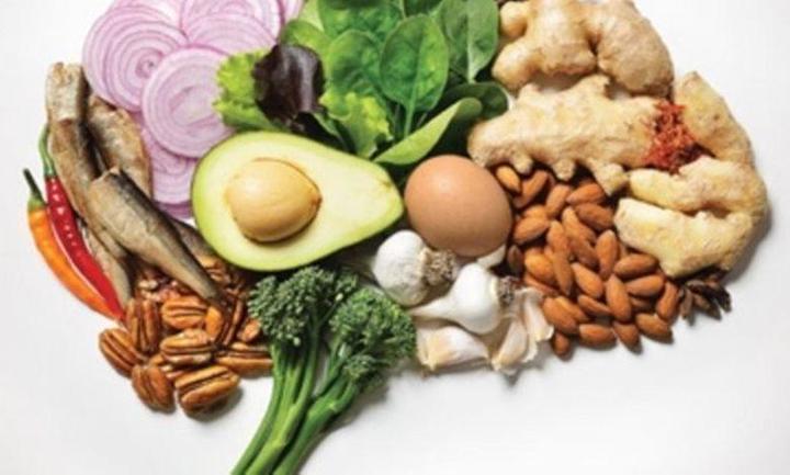 أفضل الأغذية لـ الصحة النفسية وصحة الدماغ