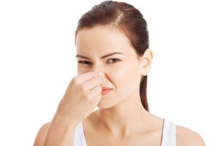 هل لديك رائحة مهبل كريهة؟ إليك السبب