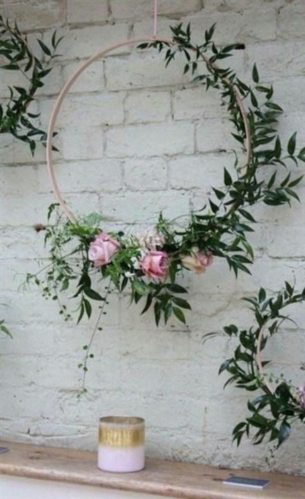 بالصور... أفكار ولا أروع لتنسيق الأزهار مع ديكور المنزل!