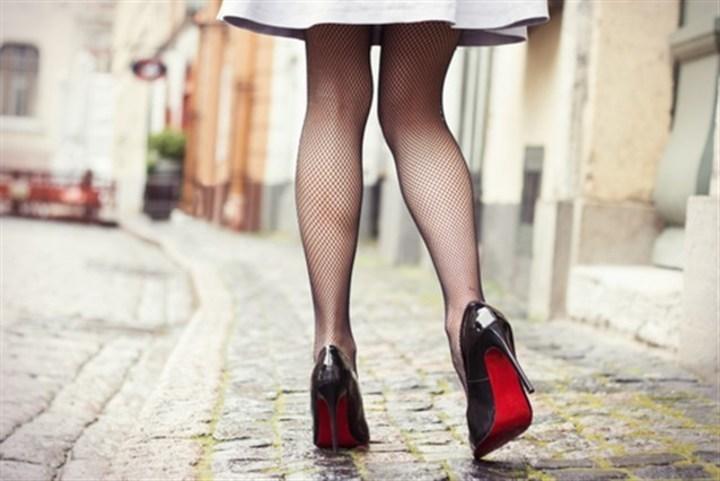 كيف تحمين جواربك النايلون من التمزّق؟ اليك هذه النصائح!