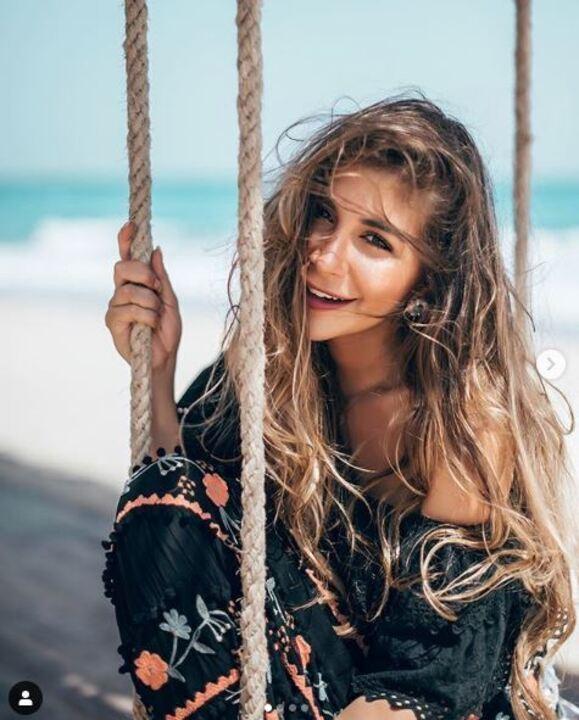 بعد فرح شقيقتها وتصدرها التريند.. 20 صورة تبرز جمال ملك قورة