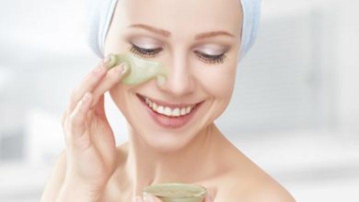 25 وصفة سريعة لتبييض الوجه