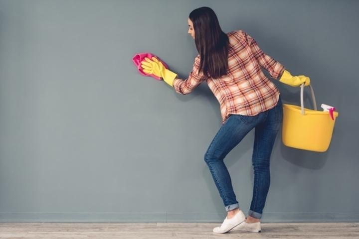 تدبير إزالة الاوساخ عن الحائط