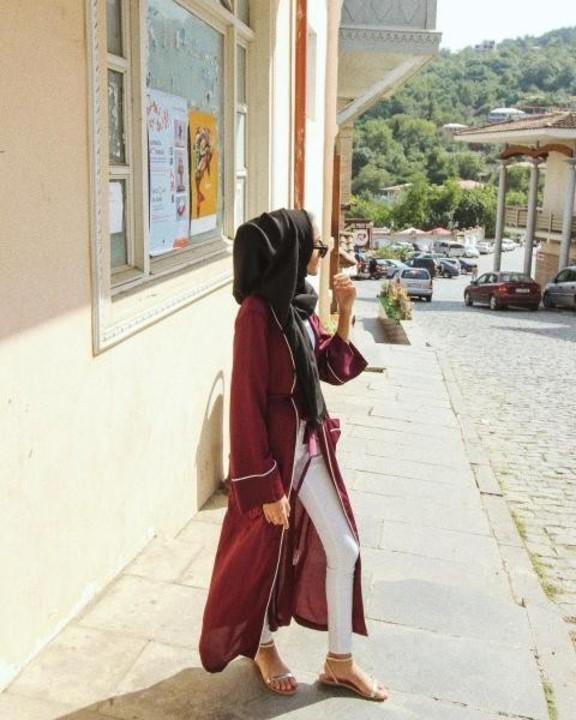 جلابيات وعبايات ناعمة لإطلالة جذابة بالحجاب في رمضان