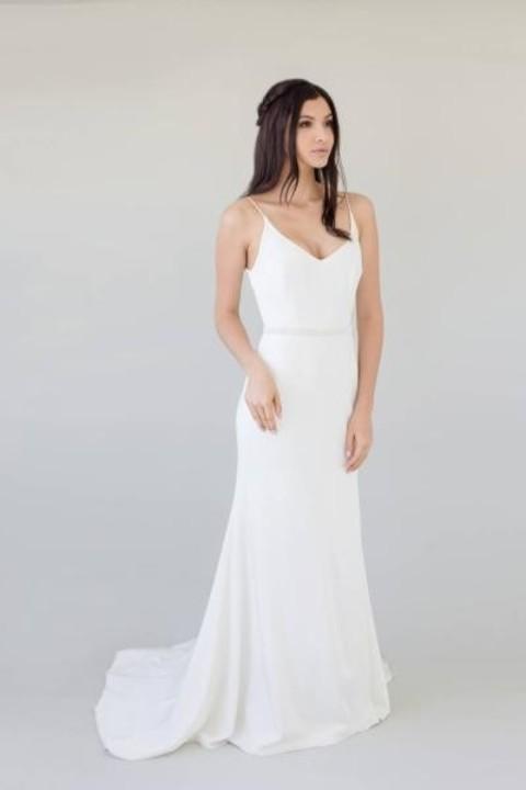 فساتين كلاسيكية لعروس 2019