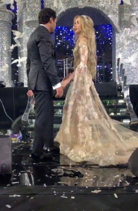 نجمات تألقن بفساتين زفاف سامو هجرس