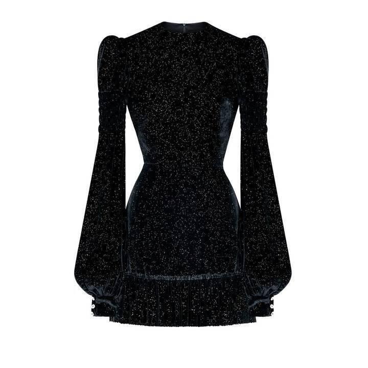 ما الفساتين التي نفدت من الأسواق في هالوين؟