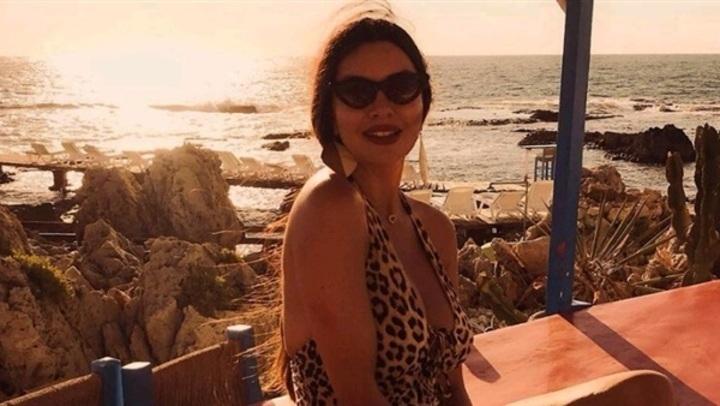 إطلالة مثيرة.. لاميتا فرنجية بملابس البحر فى بيروت