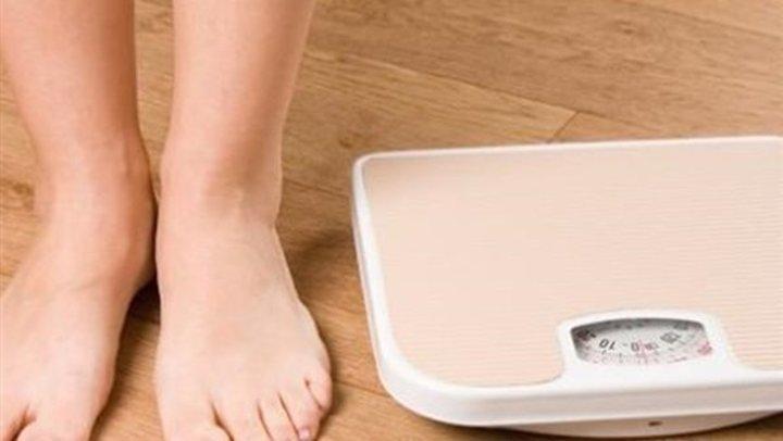 احذر.. 5 أخطاء ترتكب في الإجازات تزيد من الوزن
