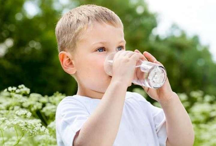 كيف تعالجين مشاكل الجهاز الهضمي عند طفلكِ؟