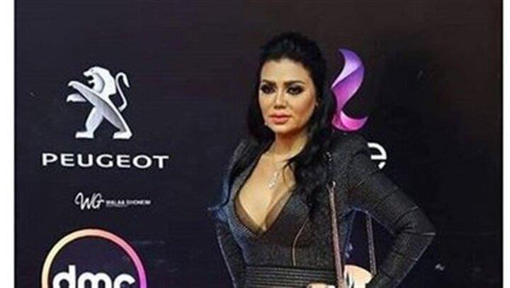 مش هتصدق.. سعر غير متوقع لـ فستان رانيا يوسف بمهرجان القاهرة السينمائى