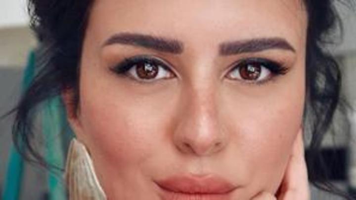استوحي إطلالتك من مكياج شمس الكويتية لحفلات الصيف