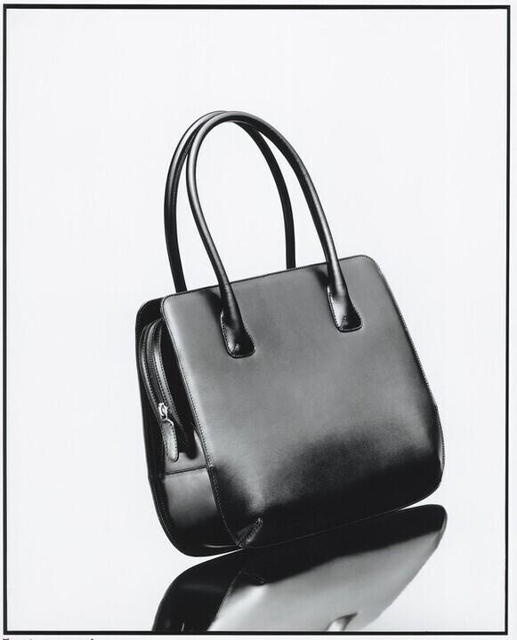 تعرفي الى حقيبة جورجيو أرماني لا بريما