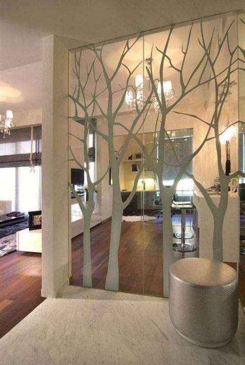 إفصلي غرف منزلك عن بعضها بأجمل تصاميم القواطع الزجاجية!