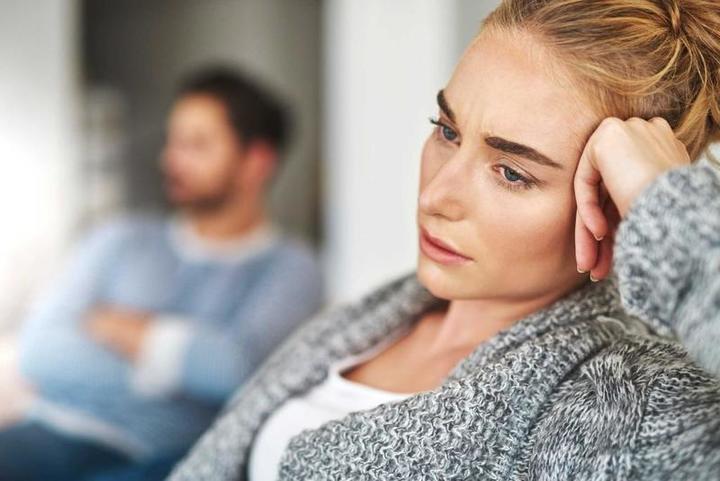 أسباب إهمال الزوجة لنفسها ولزوجها!