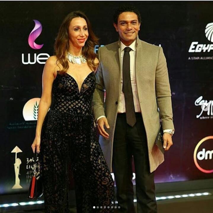 بـ فستان أسود.. إطلالة زوجة آسر ياسين فى أفتتاح القاهرة السينمائي | شاهد