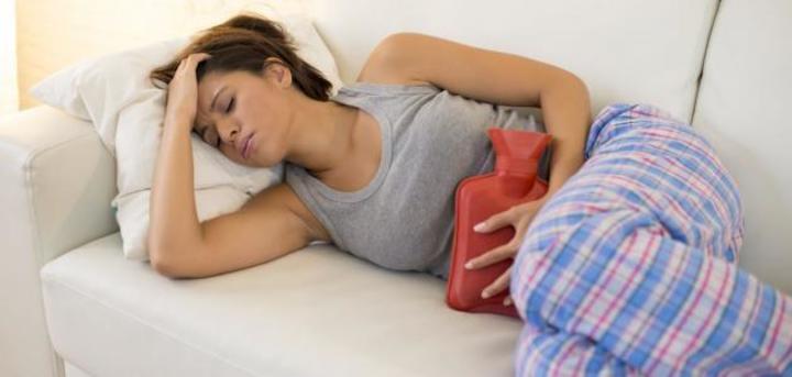 تعرفي على الآلام الطبيعية للدورة الشهرية وطريقة علاجها