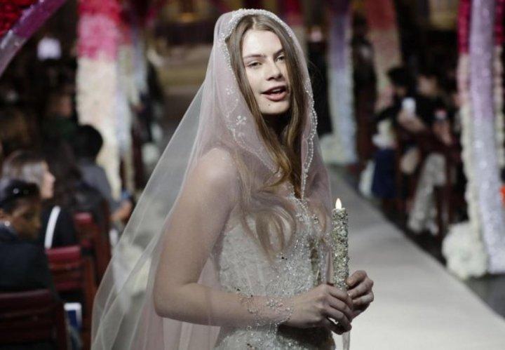 تسريحات مميزة للعروس من أسبوع الموضة العرائسي