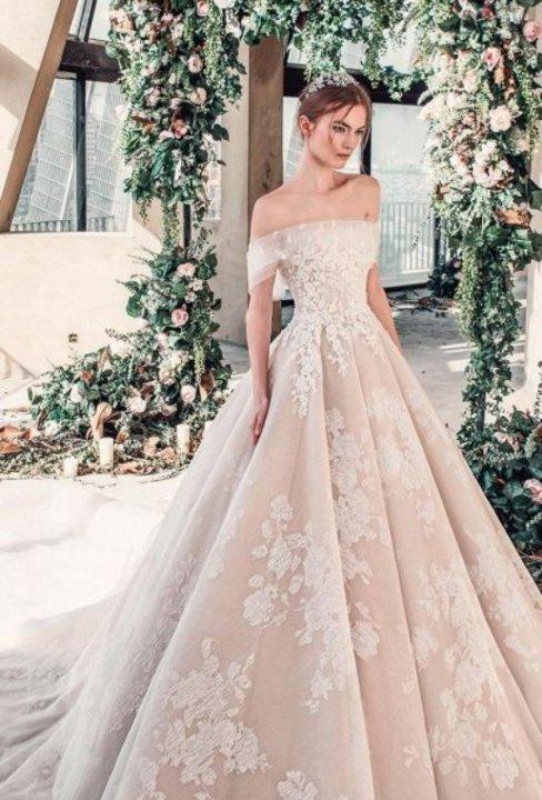 موديلات فساتين زفاف فخمة جدا 2019