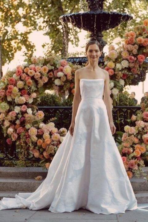 صور فساتين زفاف ذيل طويل 2020