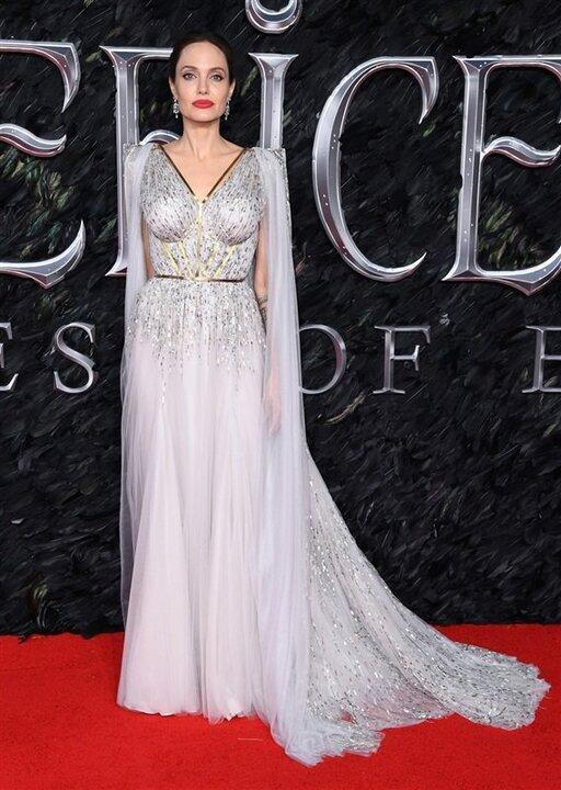 أنجلينا جولي تروج لفيلمها الجديد بـ فستان ساحر فى لندن .. شاهد
