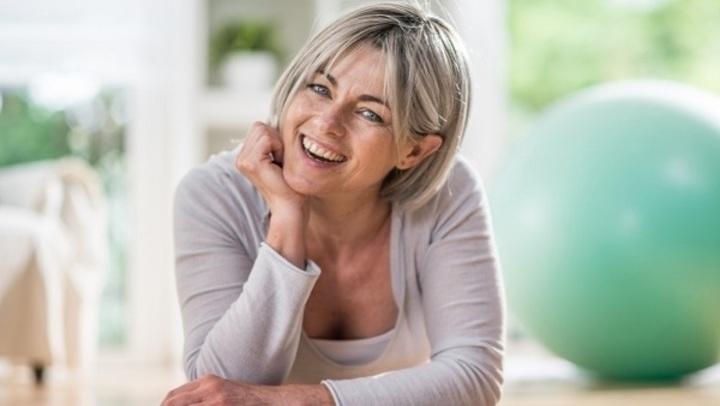 3 عوامل تؤدي إلى زيادة وزنك بعد سن الـ40