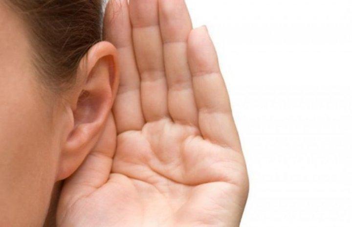 ماهي اسباب التهاب الاذن الوسطى عند الكبار