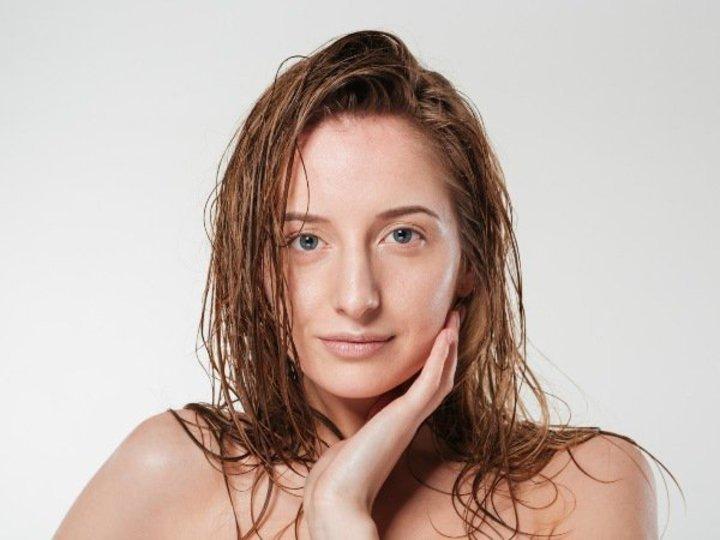 سر الاستحمام بالماء البارد.. فوائد جمالية لن تتوقعيها