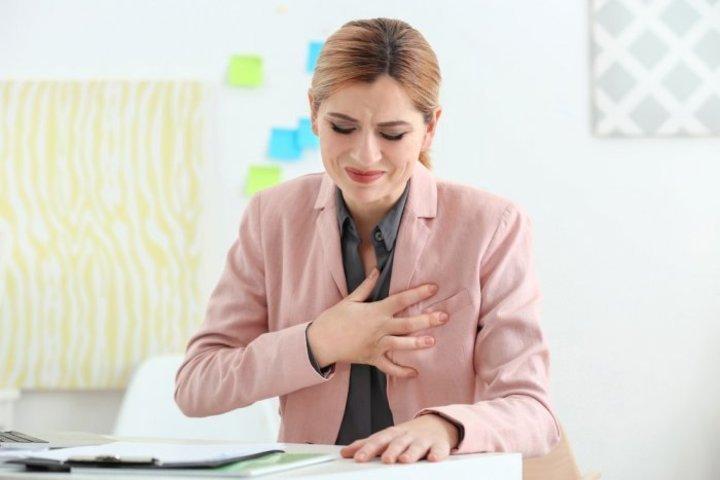 اسباب نغزات القلب وطرق علاجها