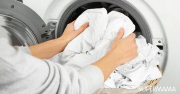 طرق إزالة أصعب البقع من الملابس البيضاء | سوبر ماما