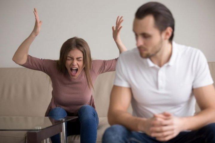 كيفية التعامل مع الزوج العصبي العنيد