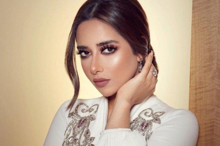 مكياج برونزي ناعم لعروس صيف 2019 من النجمات
