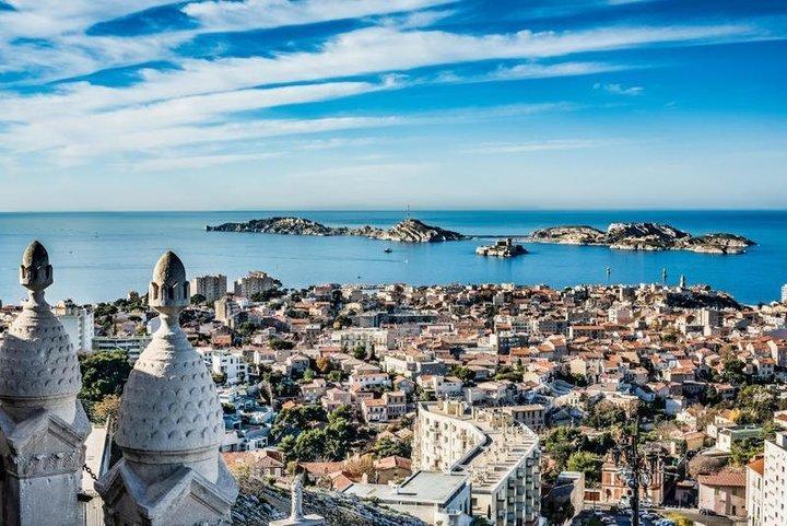 السفر إلى فرنسا: زيارة بروفانس في يوليو