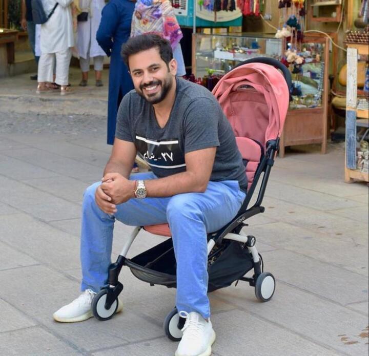 إطلالات كاجوال للرجال من وحي عبد الله بوشهري