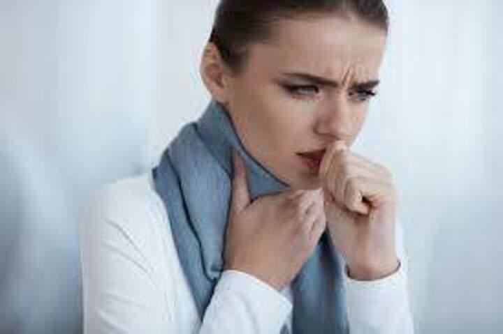 ما هي أسباب السعال الصدري؟