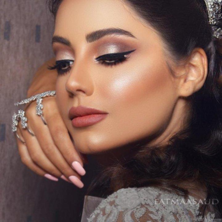 66e5de279a472 خبيرة التجميل فاطمة سعود سر نجاح المكياج في البشرة الصحية