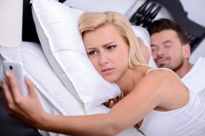 الفرق بين خيانة الرجل وخيانة المرأة