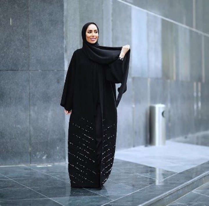 e7c82d1ce أجدد عبايات فاشينيستات انستقرام لإطلالة عصرية في رمضان 2019