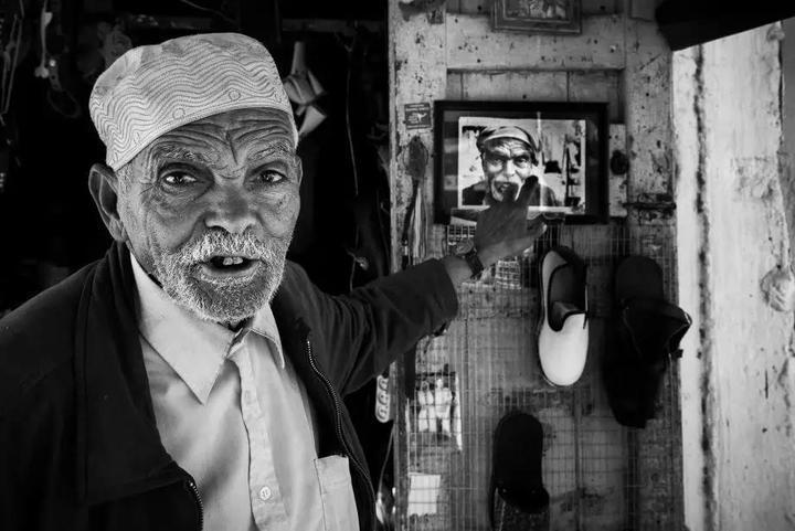 إنه المصور الألماني سكاندر خليف الذي يمتعنا دائما بما يقدمه لنا