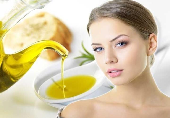 فوائد زيت الزيتون على الريق لصحة أفضل