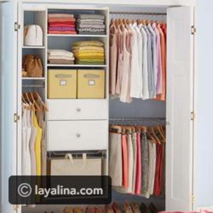 طريقة ترتيب خزانة الملابس بالصور