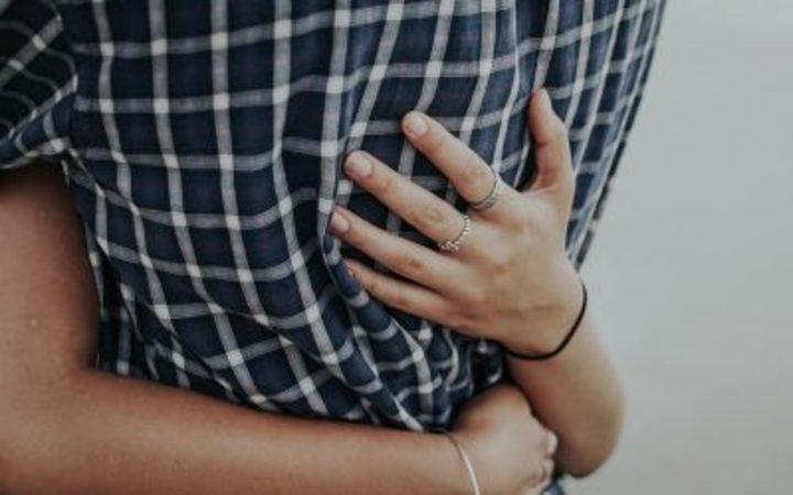 5 طرق لكسب محبة الرجل حسب شخصيته
